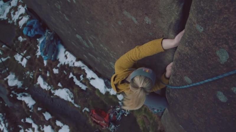 Shauna Coxsey tries crack climbing with Pete Whittaker