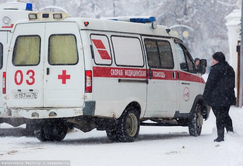 Водитель грузовика сбил пожилую женщину в Томском районе и скрылся