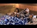 Matheus Flávia e Ié Ié dormem fora da sede e enfrentam o frio e o medo