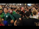 Русские Наташи 32 Мексиканские мерды продолжают массовое лапанье русских легкодоступных наташ на улице Чьи то будущие мамашки