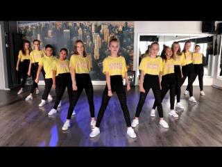 Swish swish - watch on computer_laptop - easy kids dance - choreography - baile