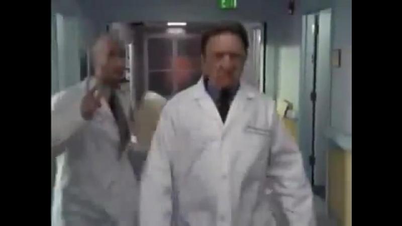 Когда попросили выйти на работу в выходной день отрывок из сериала Клиника