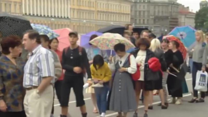 Экскурсия в 90- ые. Видеохроника улиц Москвы и Санкт- Петербурга 1991-1996г