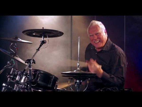 Cesar Zuiderwijk (Golden Earring) speelt Radar Love op de elektronische drums TD-30KV