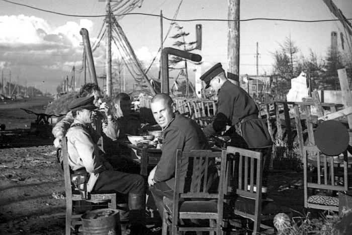 На Южном Сахалине после поражения японских войск.1945 год.