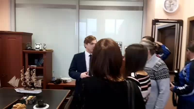 вручение айфона в редакции газеты Омская правда