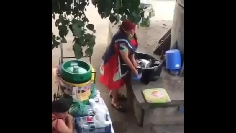 Одноразовую посуду после кваса моют и используют повторно