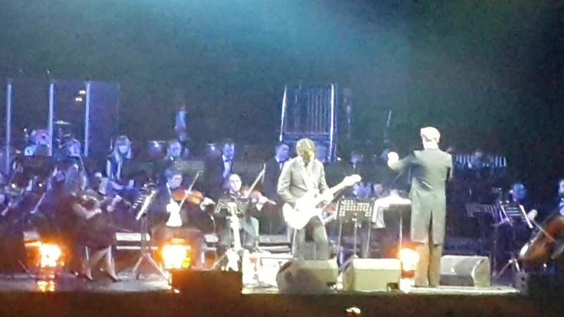 Гитарист и один из основателей рок-групп «Кино» Юрий Каспарян и симфонический оркестр 🔥
