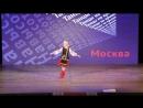 Анечка танцует сольный танец