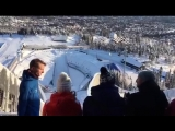 Посещение вершины лыжной горы в Хольменколлене в Осло.