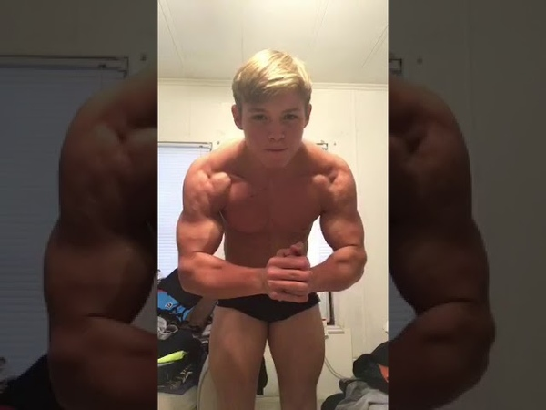 CollegeGuys99 - Jorge - Bodybuilder from Florida Flexing Muscles in Photoshoot