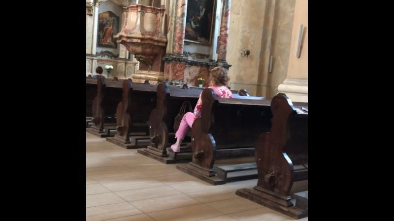 Начало службы в Католическом храме