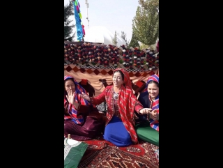 Dowlet Annageldiyew we turkmen gelinler - exclusive video Ashgabat 2017