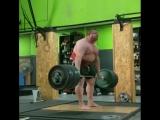 Влад Алхазов тянет 440 кг без экипировки