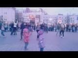 Танцы у Центрального фонтана