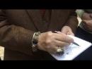 Зураб Церетели дает автограф школе грузинского языка Тамарджоба