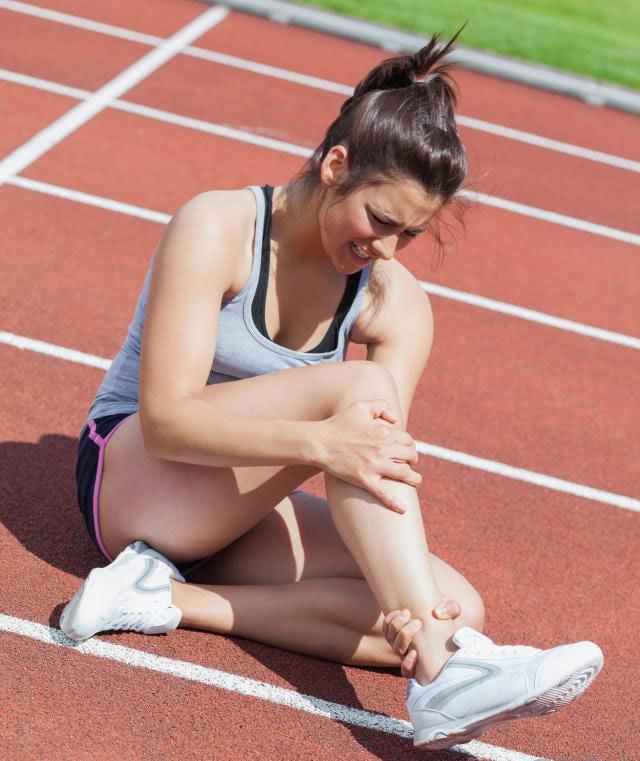 Бегуныиспользуют скобки при травме