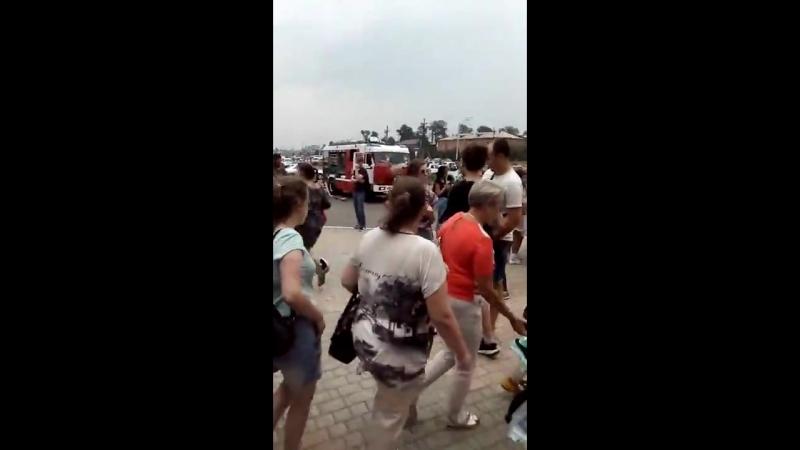 Эвакуация посетителей ТРЦ Планета в Новокузнецке
