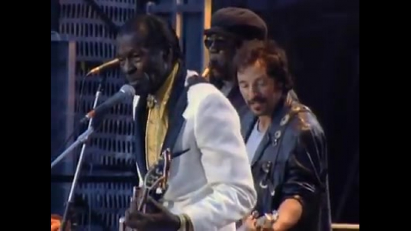 Chuck Berry, Bruce Springsteen The E Street Band - Johnny B. Goode
