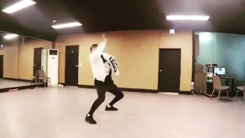 хёнсын танцует