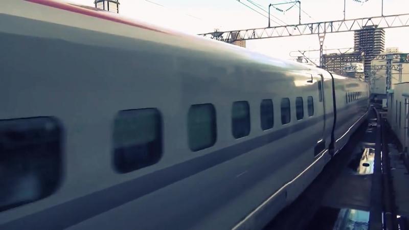 Japanese Shinkansen Bullet Train in Full Speed (E5 E6 Series)