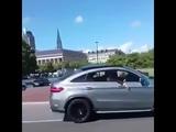 Mercedes GLE 63 AMG перевернули на ровном месте