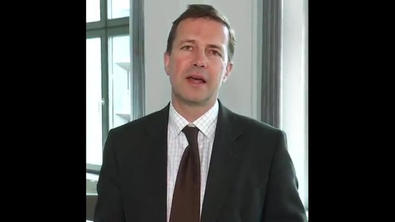 Realsatire - Regierungssprecher Steffen Seibert (früher Fernsehjournalist beim ZDF) spricht zum Tag der Pressefreiheit (3. Mai)