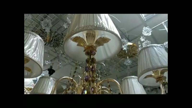 Всё-таки люстры с хрусталем самые изысканные 😍 Данная люстра на Царюка 9 💥ул.Царюка 9, 💥ул.Царюка 7А, 💥пр-т Советский 35 (Светил