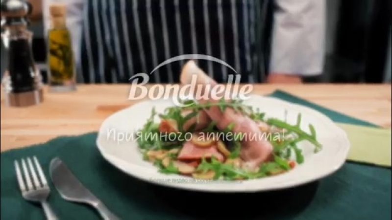 В данном видео мы расскажем, как приготовить рулеты из ветчины с рикоттой, шампиньонами и вялеными томатами.