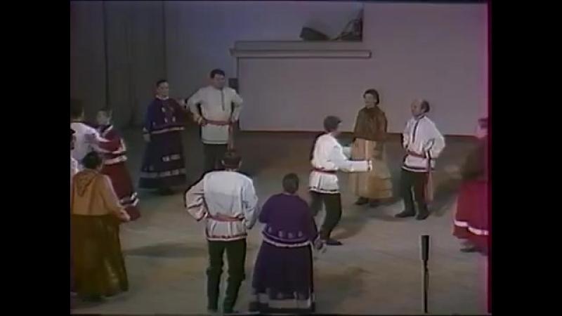 Горьковская (Нижегородская) обл, Павловский р н, с Лохани. Танец Лянсе. 1980 г.
