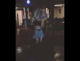 Прекрасно танцует под Рианну
