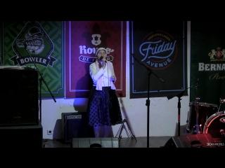 Елена Михайлова поёт песнюОй,цветёт калина