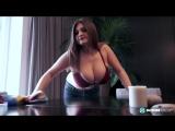 Вкусная пышка делает уборку дома (Girls Teen Boobs Tits Секс Порно Попка Сиськи Грудь Голая Эротика Трусики Ass Соски 1080)