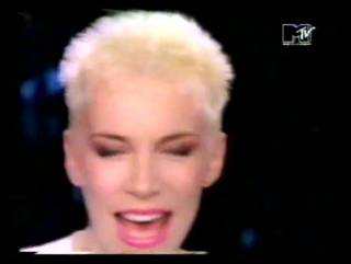 ANNIE LENNOX AND AL GREEN - Put A Little Love In Your Heart (MTV GREATEST HITS 1988)