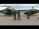 Уильям и Гарри позируют фотографам на военной базе Шоубери, 2009 год