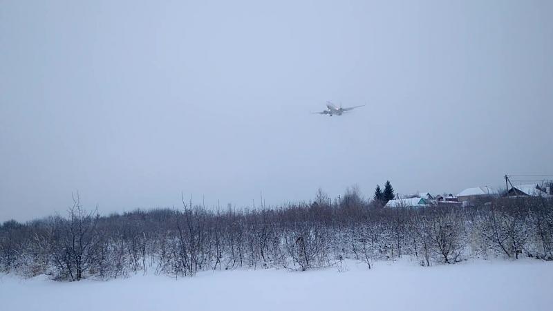 Аэропорт Чебоксары Boeing 737 Nordwind Airlines Москва-Чебоксары посадка 15.01.18