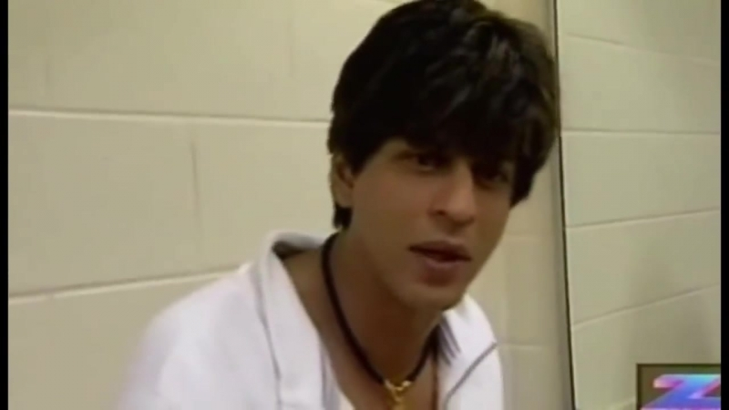 Shahrukh Khan Angry Face At Backstage During The Temptation Performance Old video _Prank