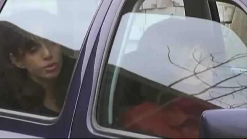 Выразительные фрагменты из сериала Близнецы. Мила Романиди в роли очаровательной авантюристки.