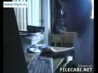 как парень оплатил онлайн стриптиз на рууском сайте.flv