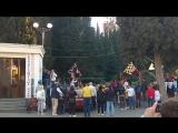 Новое для АлуштыПАРАД ЖОНГЛИРУЮЩИХ ЗНАМЕНОСЦЕВSbandieratori Di Arezzo, Italia