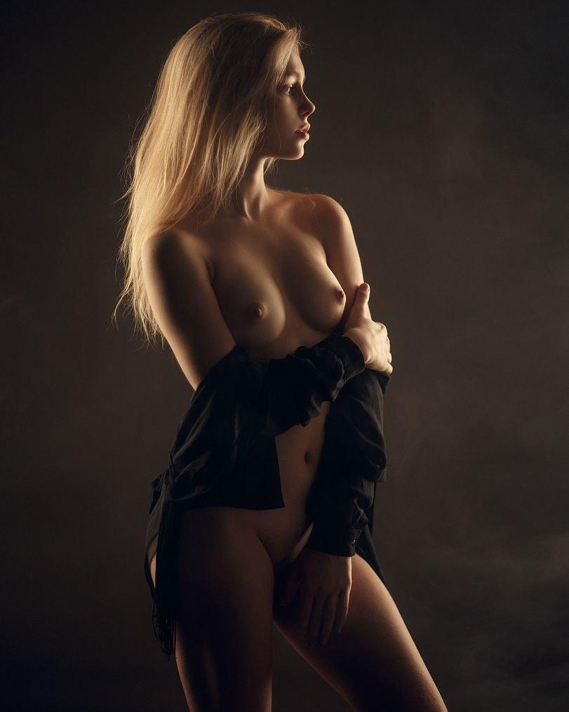 Naked sexy honeys