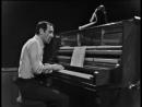 Charles Aznavour - Ce sacré piano