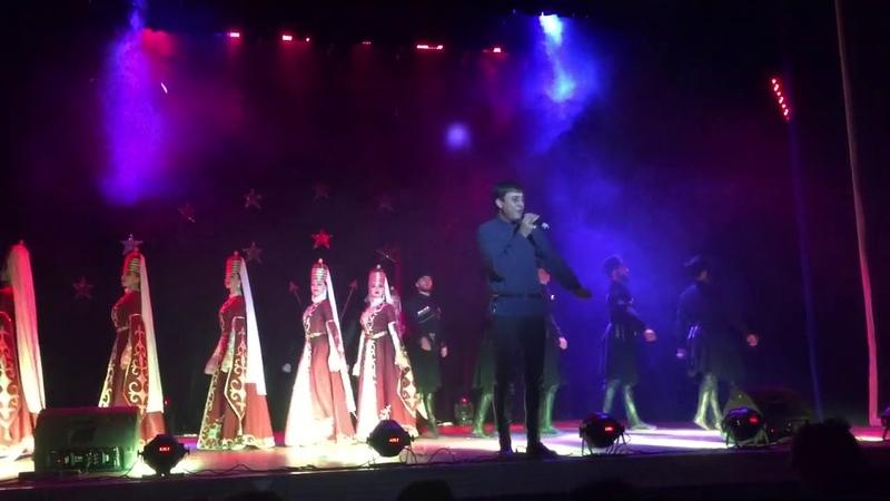 Магамет Дзыбов - Адыги на земле моей живут (Видео с выступления)