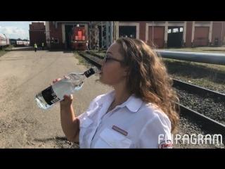 Проводниц уволили за съемку пародии на песню группы «Ленинграда» «В Питере — Пить » (720p) (via Skyload)