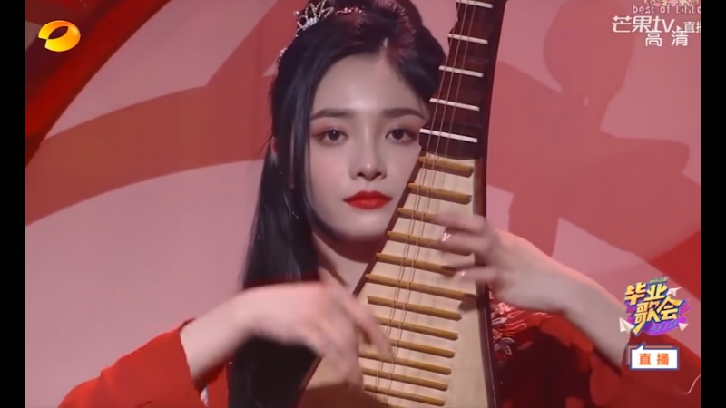 Pristin Kyulkyung plays the lute, SNH48 Jingyi plays violin! East West Instrument Battle!