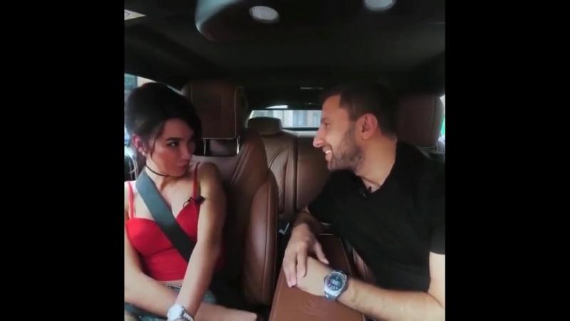 Амиран целует порно актрису
