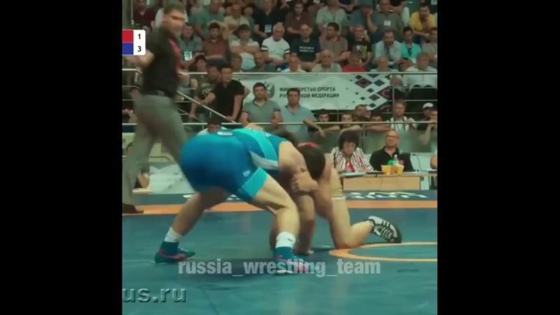 Завур Угуев