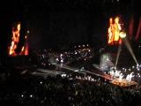 Группа Scorpions выступает 01.11.2017 на сцене спорткомплекса