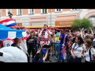 Денис нет-нет, да и решит блеснуть в эфире Первого канала #ЧМ2018 #ПервыйКанал