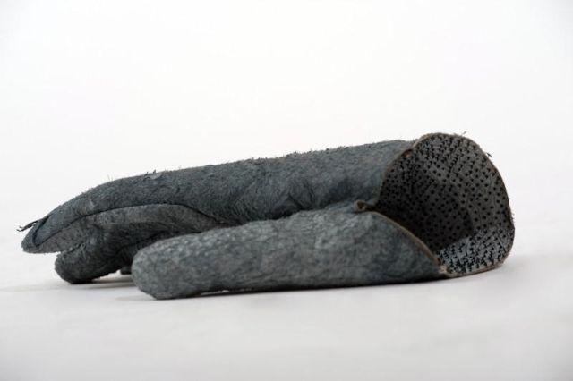 0 odI1QU Y4 - Перчатки из чешуи акулы за 720 евро
